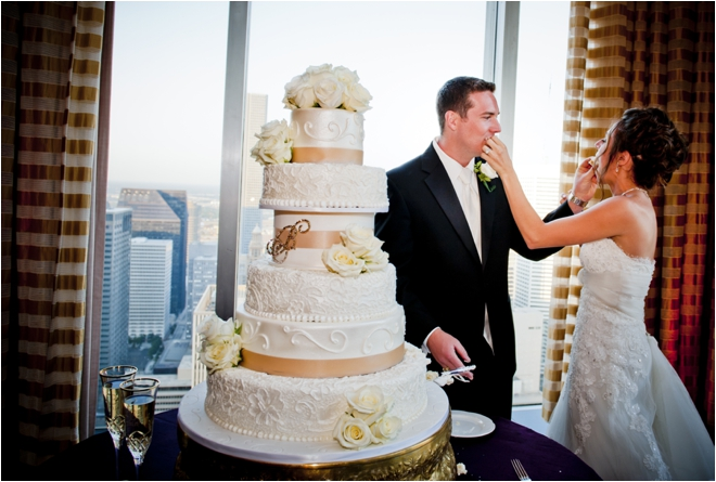 wedding-reception-bride-and-groom-eating