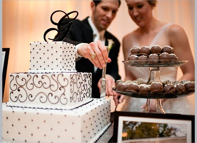 Black and White (and Stylish All Over) Wedding by Alyse French