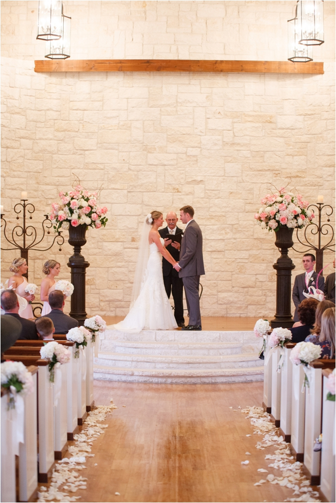 Pink and Gray Briscoe Manor Wedding by Lindsay Elizabeth Photography