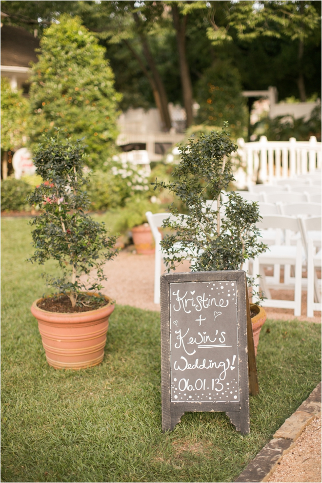 Lovely Butler's Courtyard Wedding with Overseas Proposal Story