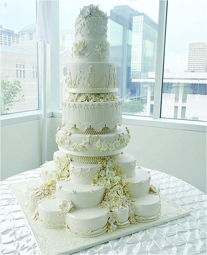 Multi-Layer-Wedding-Cake-with-Flowers-and-Pearls