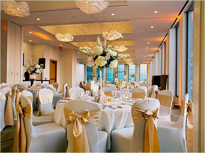 chic ivory gold blush wedding at the houston club by civic photos houston wedding blog. Black Bedroom Furniture Sets. Home Design Ideas