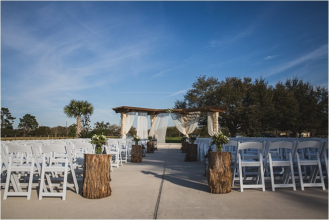 Outdoor-Wedding-Ceremony-Moffitt-Oaks