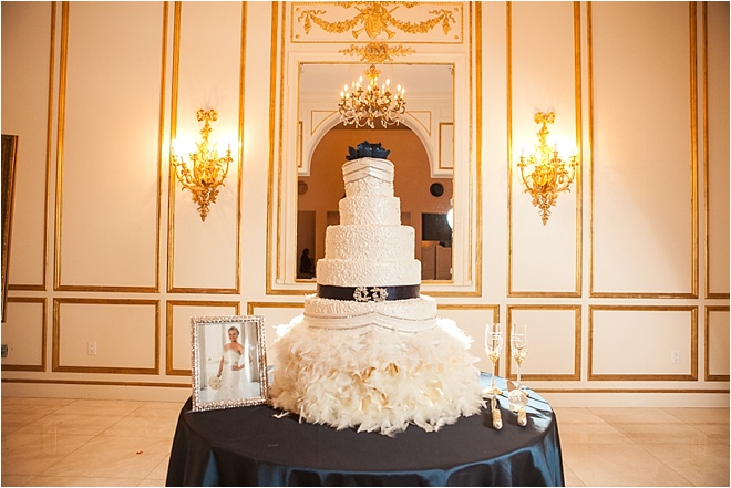 White-and-Navy-Wedding-Cake