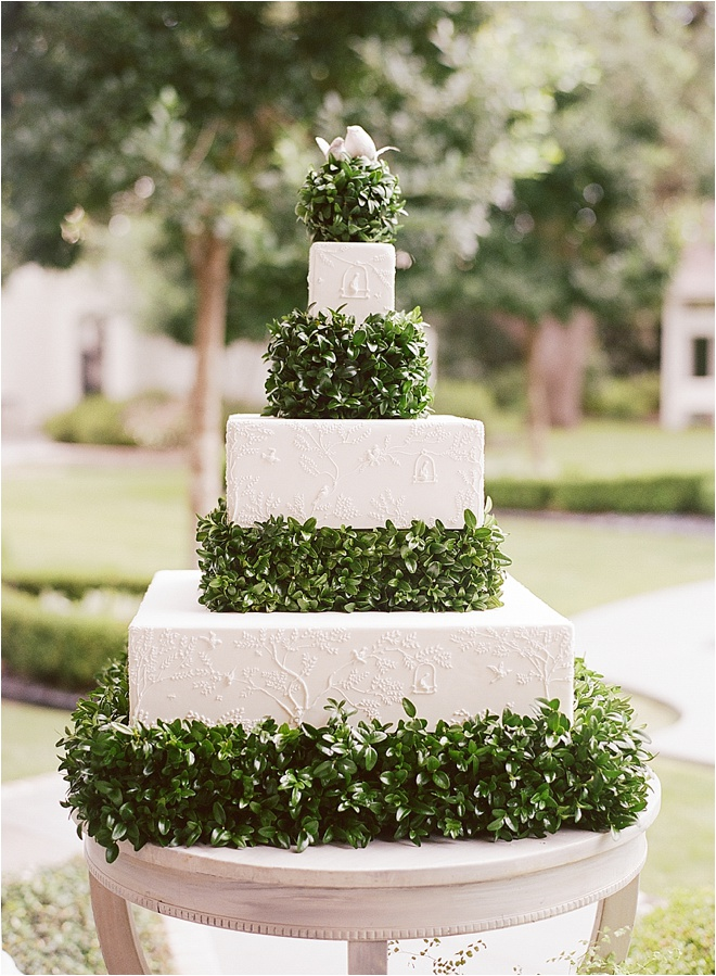 Green-and-White-Wedding-Cake