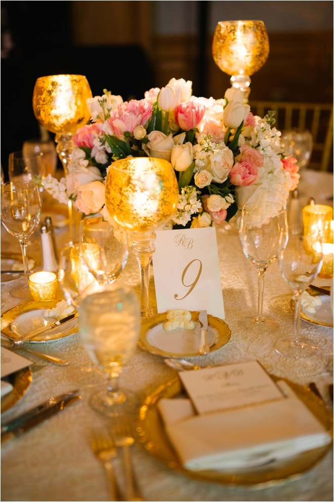 White-Pink-Gold-Wedding-Decor