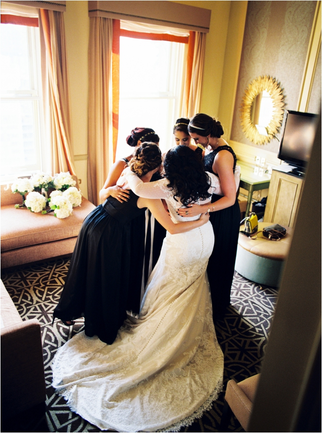 Bride-with-Bridal-Party