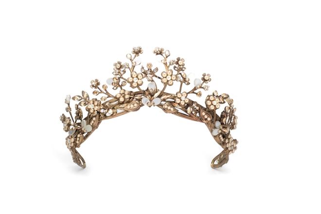 Maria-Elena-Crown