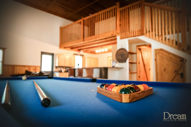 Grooms Room Pool Table 15 Acres