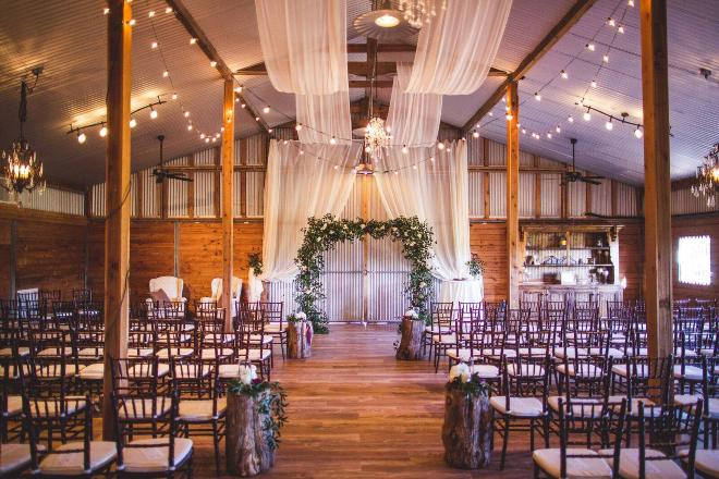 Moffitt Oaks wedding venue near houston destination barn ranch
