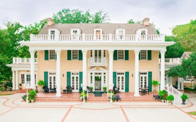 Madeley Manor Houston Texas Wedding Venue Plantation Estate Southern Columns Affordable