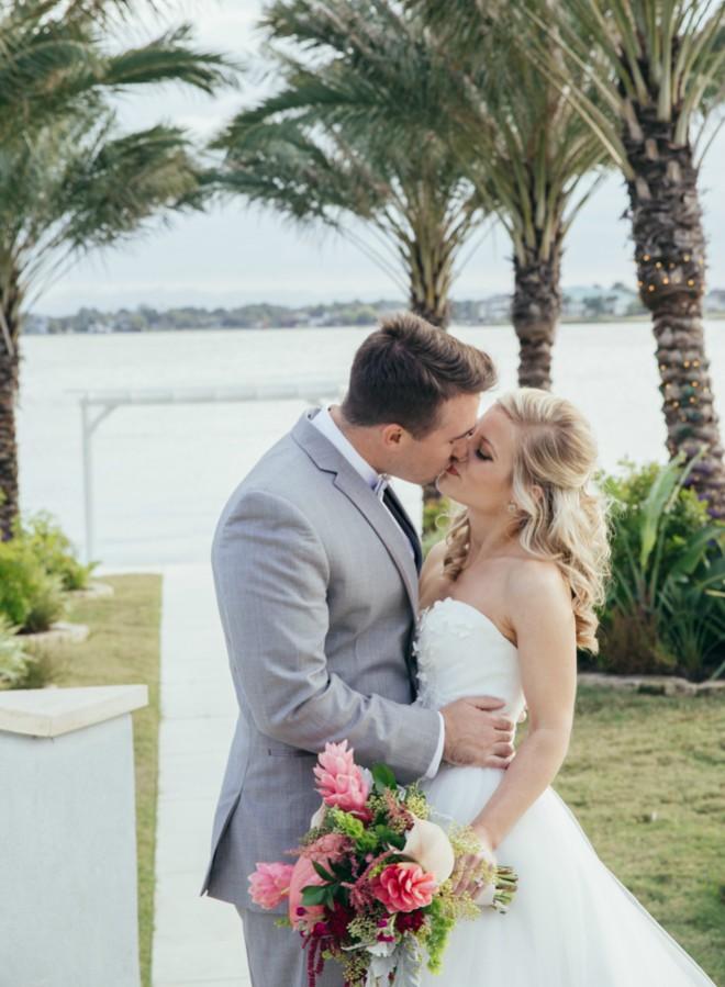 El Lago Texas Clear Lake Summer Wedding Special