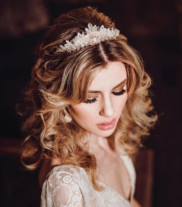6 Stylish Bridal Hair And Makeup Looks