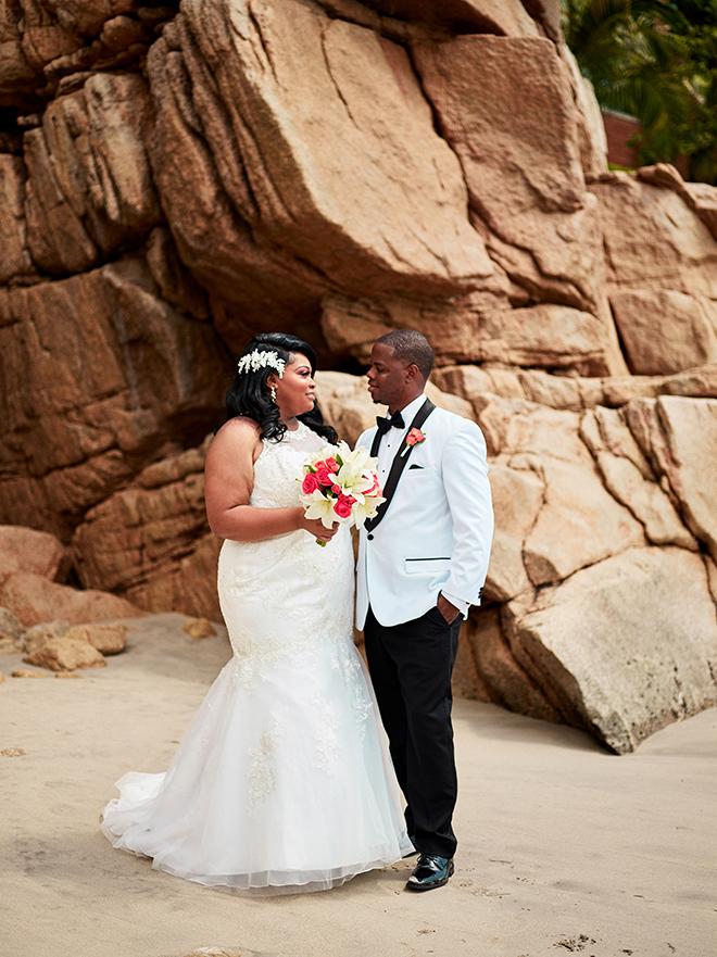 destination beach wedding, Mexico, Puerto Vallarta, summer wedding, bridal photography, wedding protraits