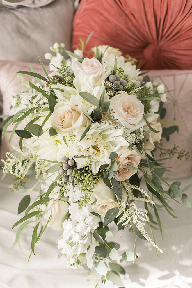 vintage haute flowers wedding, blush and ivory, haute flowers and events, blush roses, ivory dahlias, wedding photography, wedding bouquet
