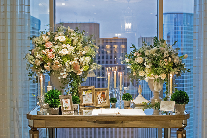 california texas wedding, guest sign-in, petroleum club of houston, city wedding, table floral arrangements