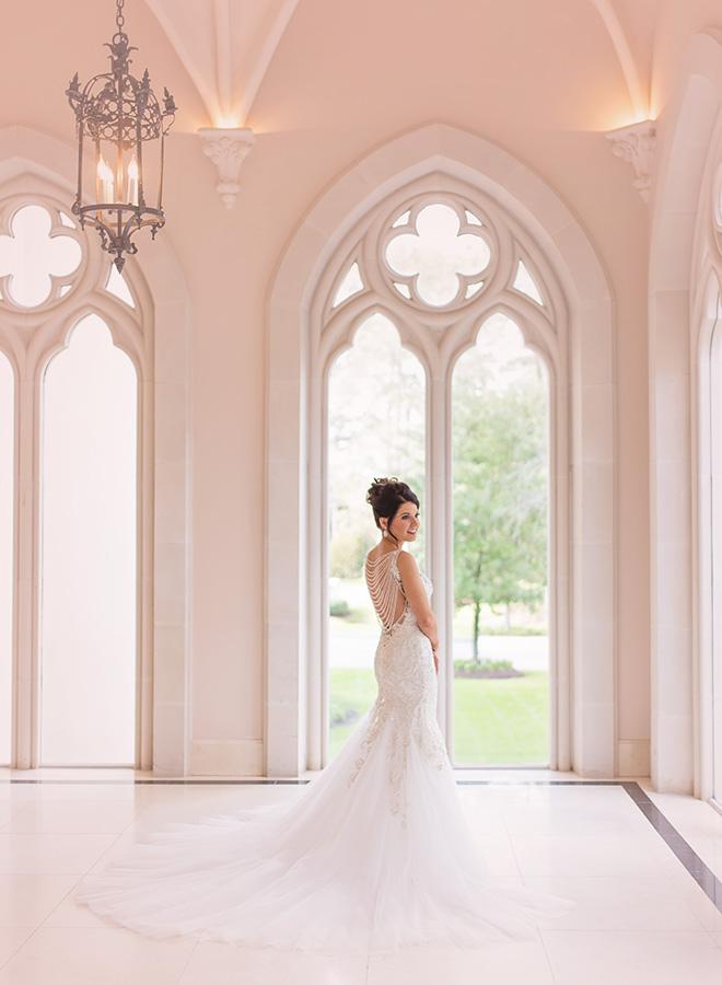 houston wedding, chateau cocomar, bridal portraits, wedding photography, bride, wedding dress with train, luxe chateau cocomar wedding