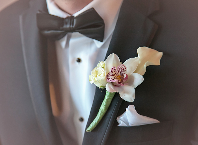 houston wedding, chateau cocomar, groom, boutonniere, groom attire, luxe chateau cocomar wedding