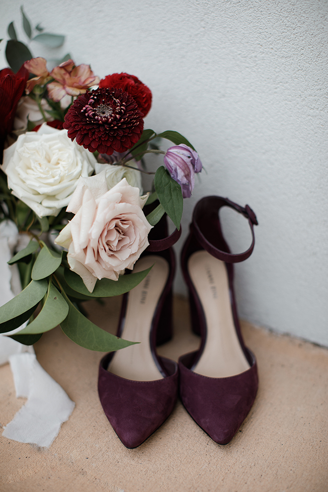 ashton gardens wedding, wedding photography, bridal shoes, bouquet, roses, detail shot