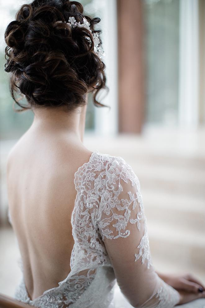 ashton garden wedding, houston wedding, lace wedding dress back detail, bridal hairstyle, updo, wedding photography