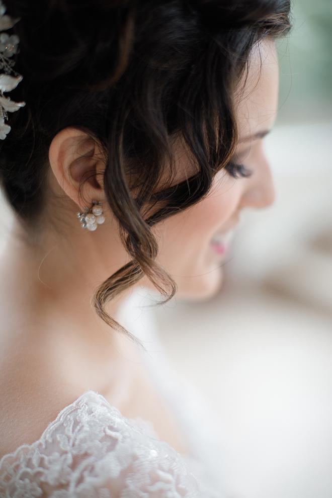 ashton gardens wedding, bridal jewelry, pearl earrings, bridal portrait, wedding photography