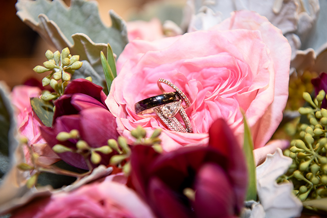 rustic autumn wedding, briscoe manor, kiss and makeup houston, pink and burgundy flowers, wedding bands, diamond engagement rings