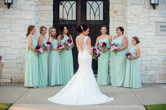 rustic autumn wedding, briscoe manor, kiss and makeup houston, outdoor wedding ceremony, bridemaids, bridal party, seafoam green bridesmaids dresses, burgundy and pink bouquets