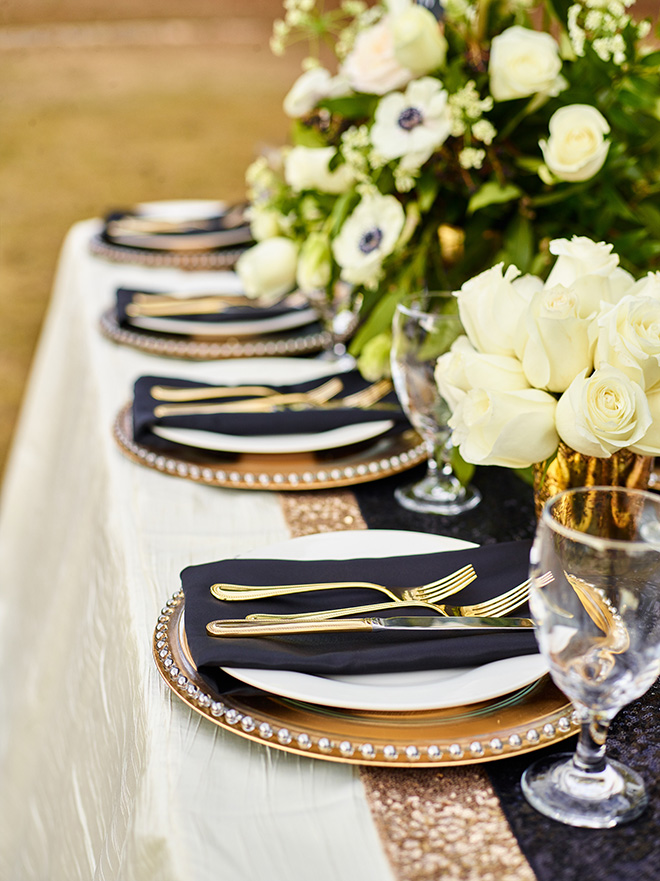 ivory and gold styled shoot, events de luxe, civic photos, sandlewood manor, plantation wedding, black accents, timeless wedding decor, table setting, ivory florals