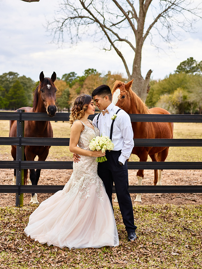 ivory and gold styled shoot, events de luxe, civic photos, sandlewood manor, plantation wedding, black accents, champagne beaded wedding dress, horses