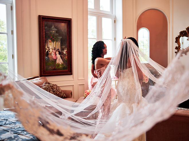 bride portrait long veil chateau cocomar civic photos houston