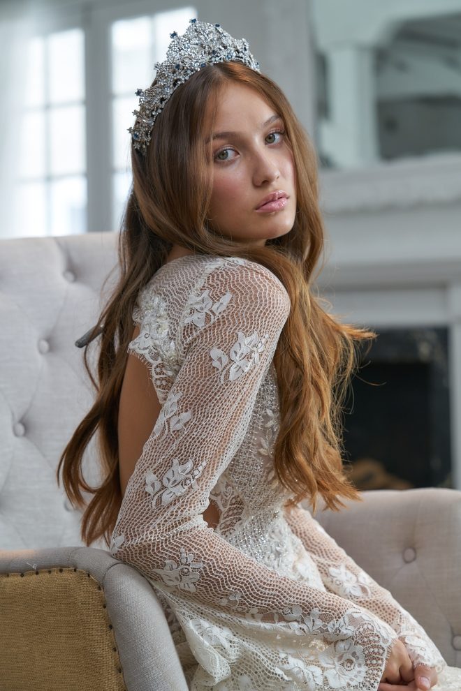 maria elena accessories bridal headpiece joan pillow houston trunk show lace long hair relaxed natural glamorous