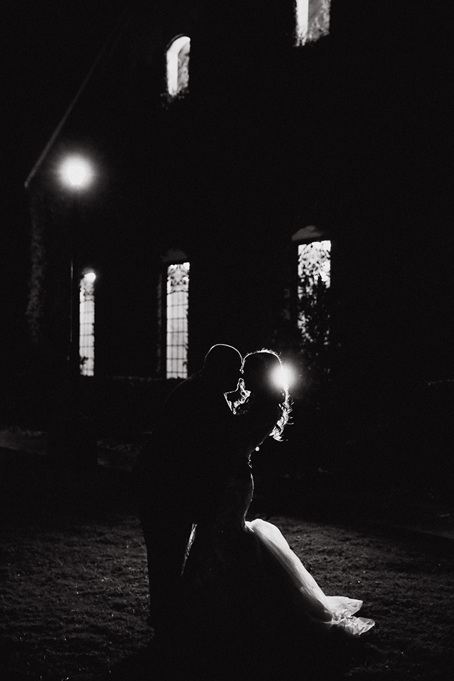 Eri Reyna photography black and white bridal portrait