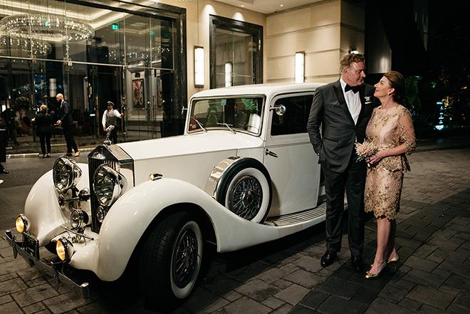 luxury vintage car for weddings