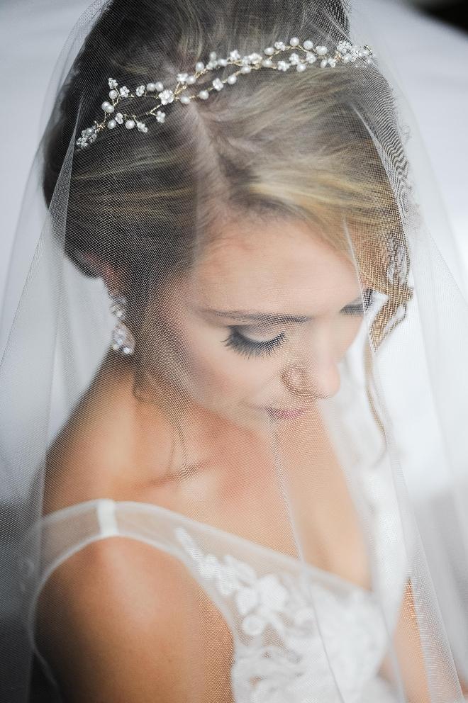 bride portrait veil tiara jessica frey houston austin wedding photography