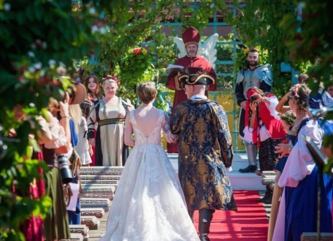 Texas Renaissance Festival wedding costumes garden ceremony