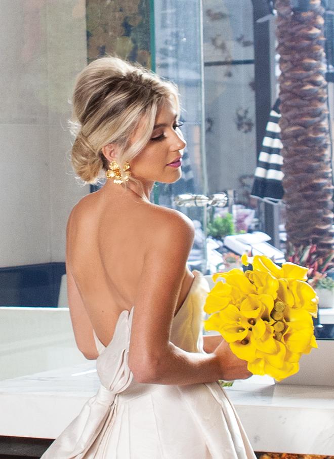 bridal hairstyle 2019 - low bun - bridal bun