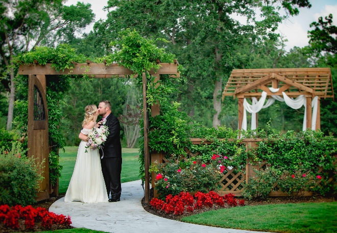 wedding open house hockley texas venue 16 Acres outdoor ceremony
