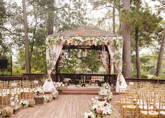 Woodlands resort relaxed weekend weddings venue houston golf outdoor ceremony lakeside terrace