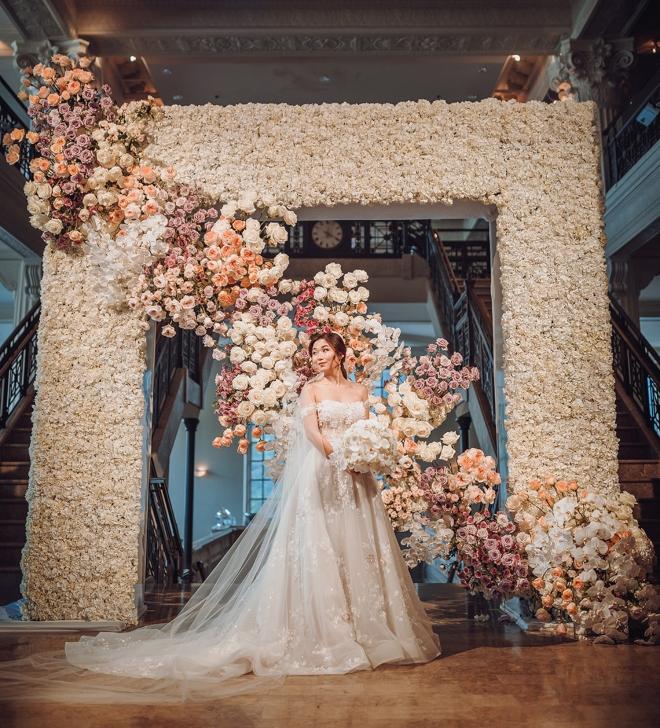 houston wedding flowers florist ceremony design plants petals