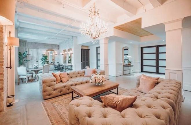 ama by aisha astorian houston texas wedding venue soho suite bride lounge sofas