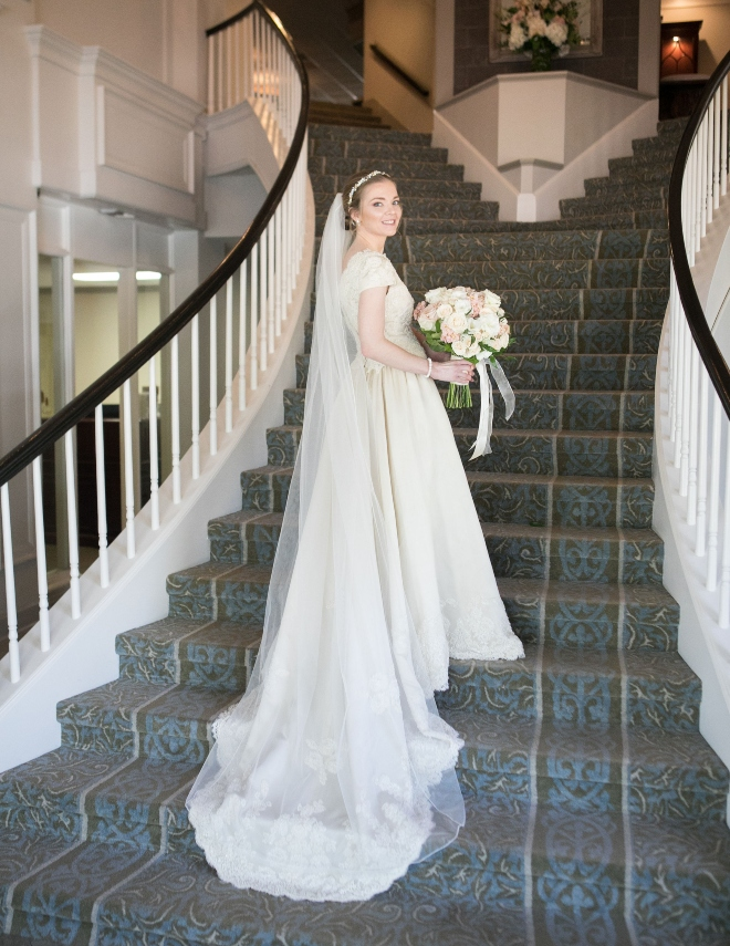 bride portrait long staircase veil bouquet pine forest country club houston