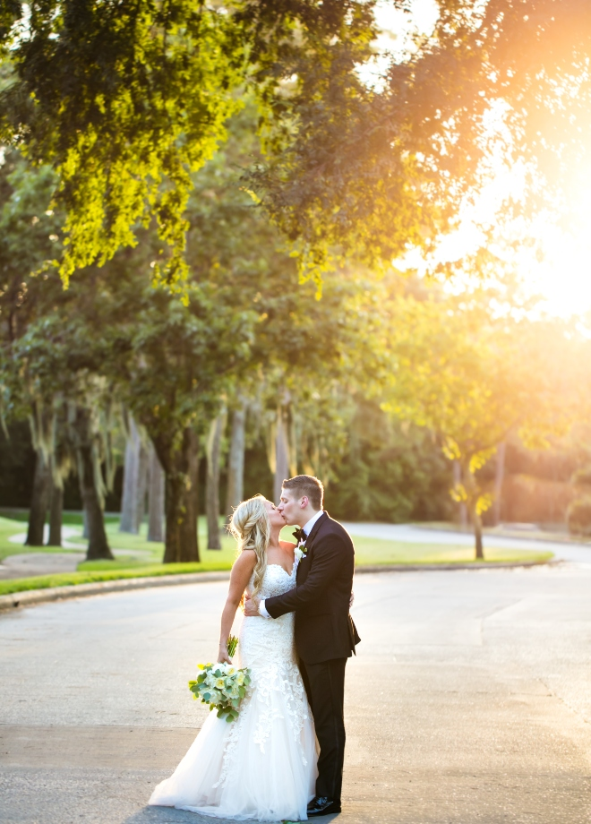 mixed metallics wedding bride groom outdoor kiss northgate country club