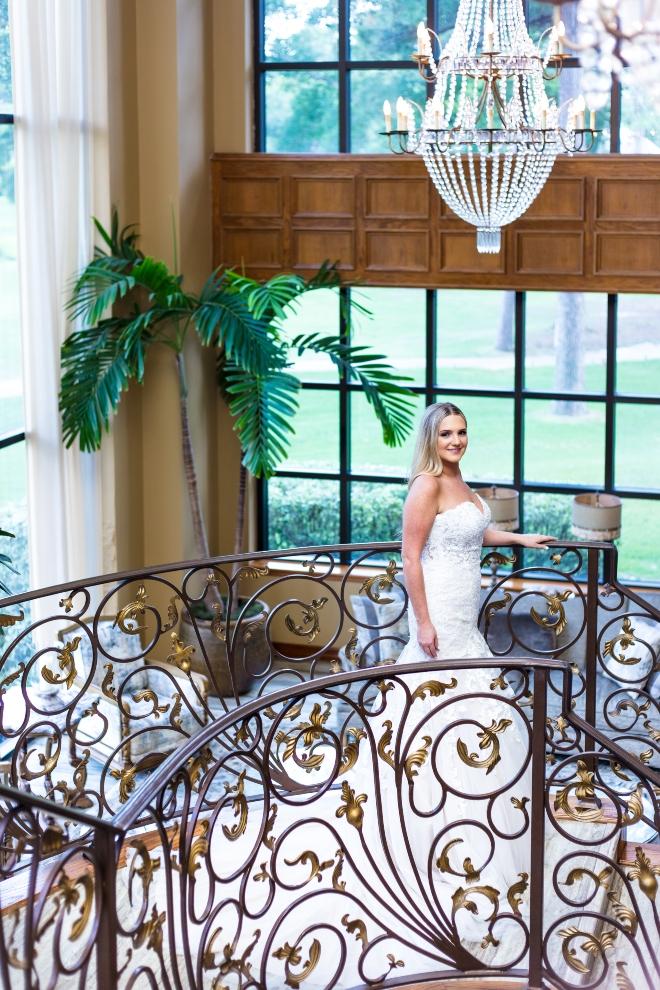 mixed metallics wedding northgate country club houston bride portrait stairs