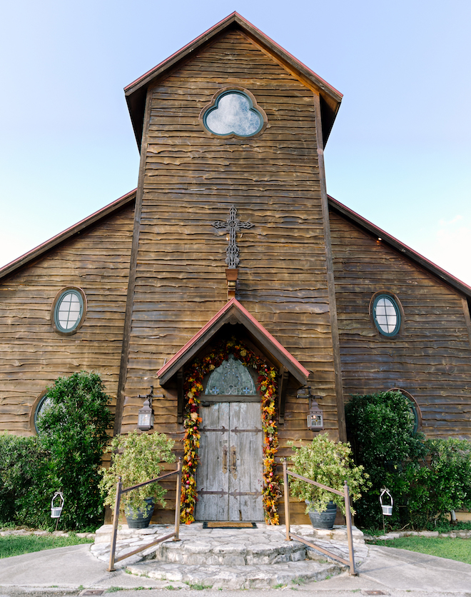 On Site Chapel Wedding Venues - Old Glory Ranch