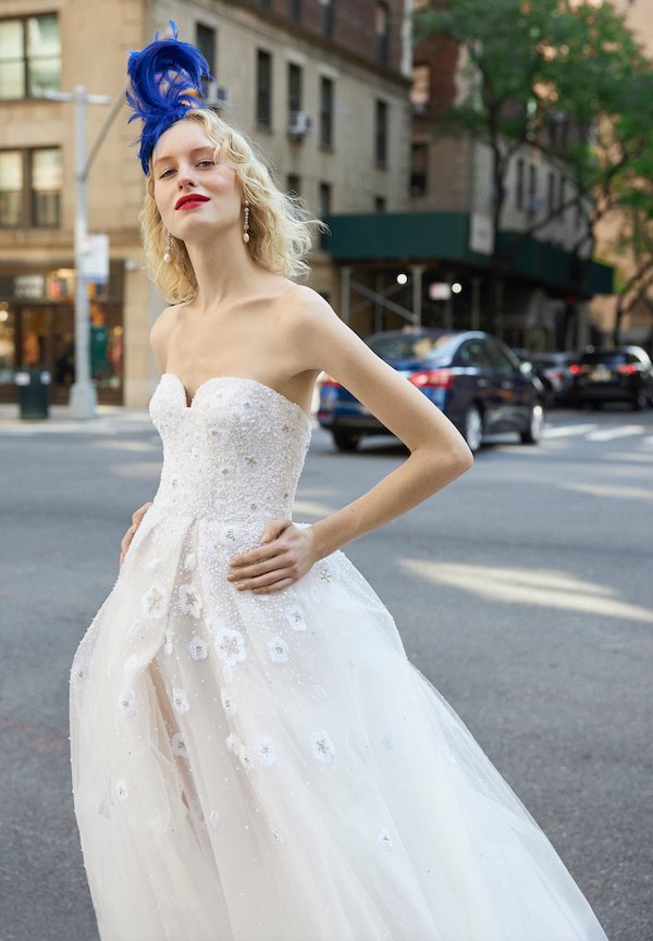 reem acra sweetheart wedding gown silhouette