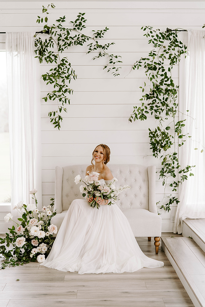 bridal portraits, houston wedding photographer, farmhouse, chic, boho wedding, country chic, greenery backdrop, bridal hair, bridal makeup, emily figurelli