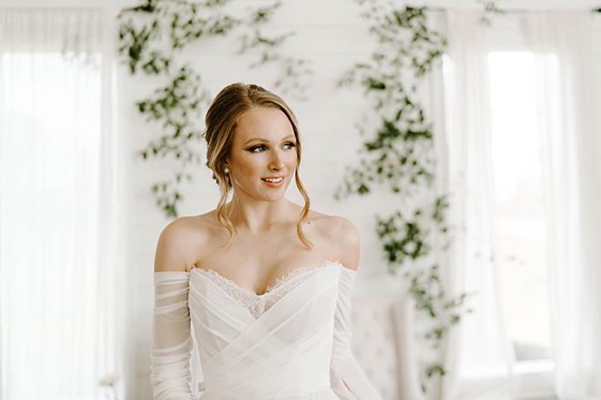 vintage chic wedding, tulle wedding dress, off the shoulder, updo, wedding makeup, houston photographer, emily, figurelli, elopement, micro wedding