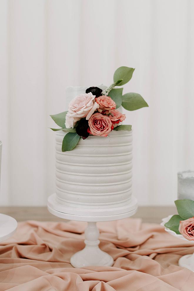 wedding cake, one layer, floral topper, houston wedding photography, emily figurelli, white cake stand, simple elegance, wedding details, decor ideas