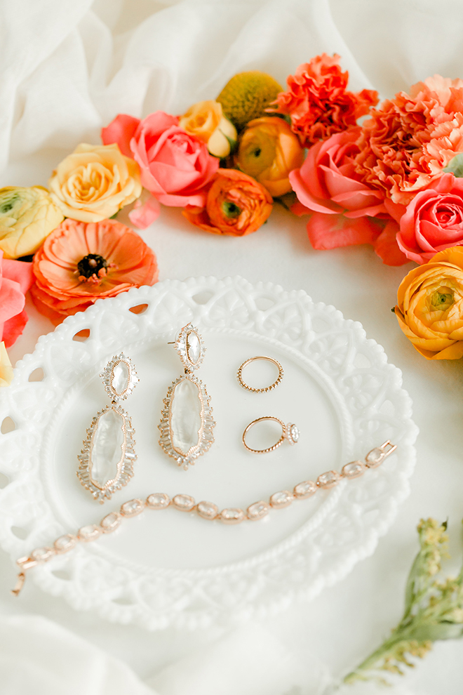 houston, wedding photography, amy maddox, photography, bridal jewelry, orange, pink, red