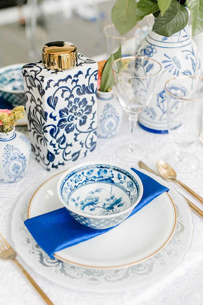 Chinoiserie themed, styled shoot, houston, wedding photography, amy maddox, photography, ming, vases, table setting, wedding decor